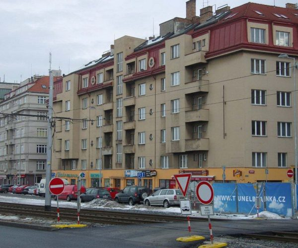 Dostavba výtahu na objektu v ulici Milady Horákové