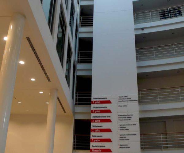 Rekonstrukce bankovního domu UniCredit Bank – výtahová šachta